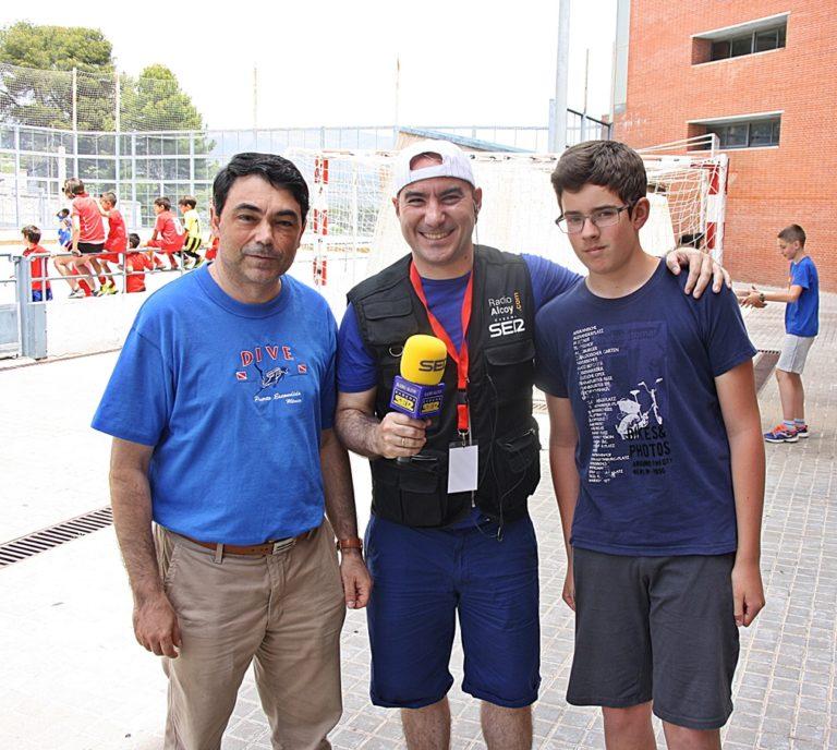 La entrevista con Ximo Corbí (izq), Marcos Martínez (centro), y la joven promesa Jordi Linares (dcha)